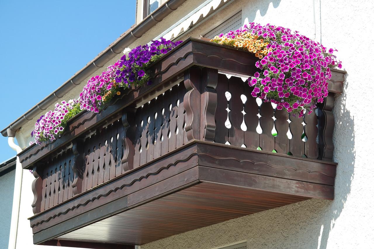 Jak urządzić ogród na balkonie?